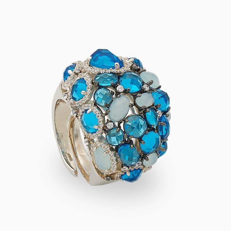 Sortija en plata con piedras de color azul