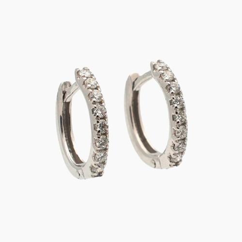 Pendientes de oro de 18k en color blanco con engaste de diamantes
