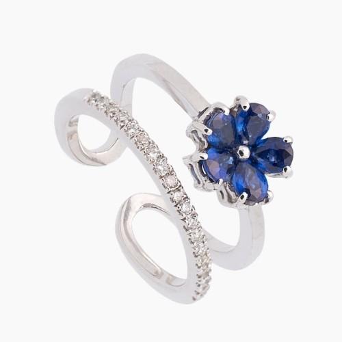 Sortija con flor de zafiros y diamantes