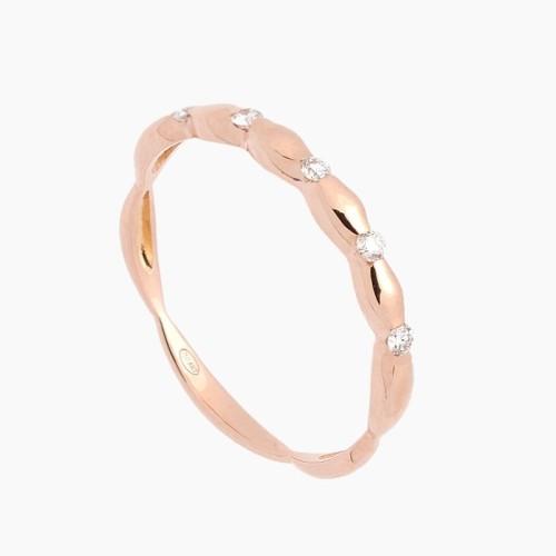 Sortija de oro rosa con diseño en...