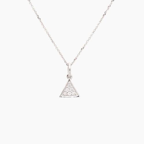 Gargantilla con forma de triángulo...