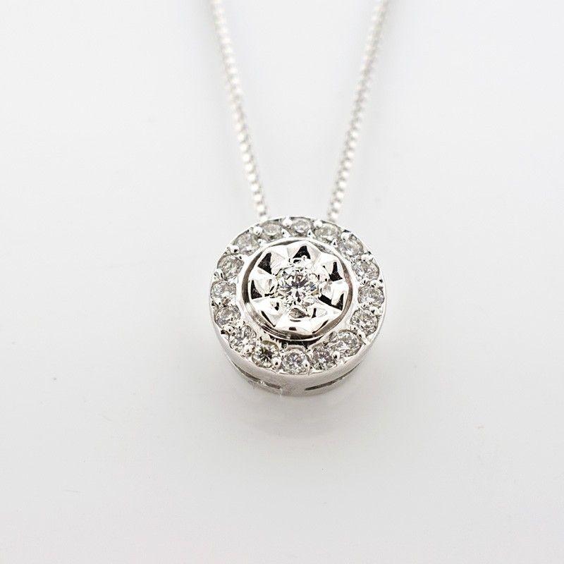 Colgante de diamantes con engaste invisible
