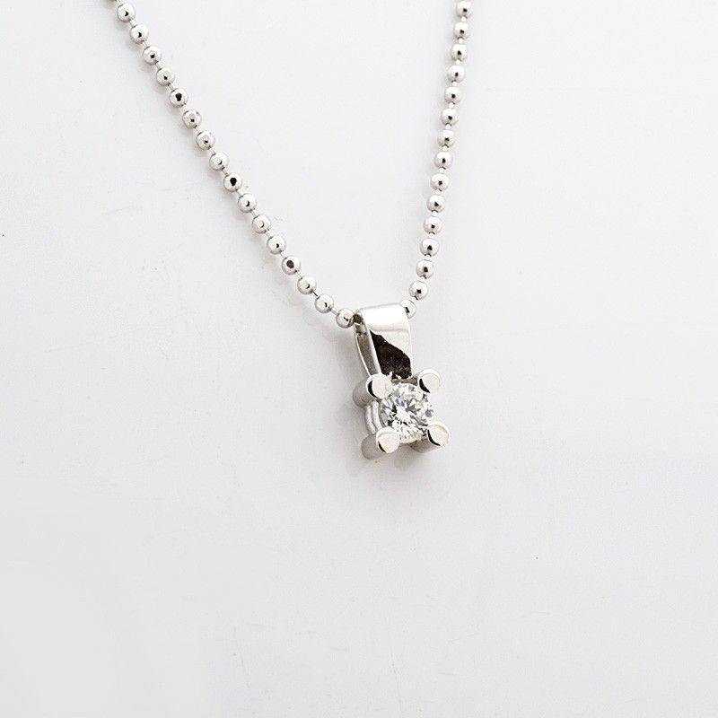 Colgante de oro blanco y diamante