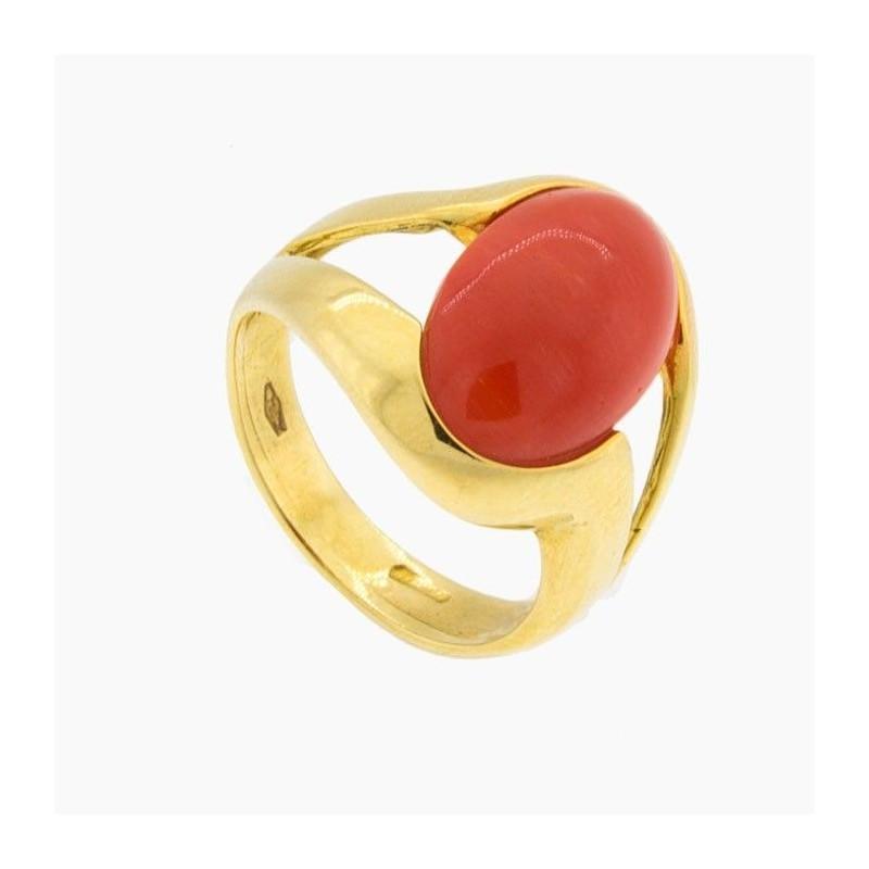 Sortija de coral rojo y oro amarillo en diseño de doble banda